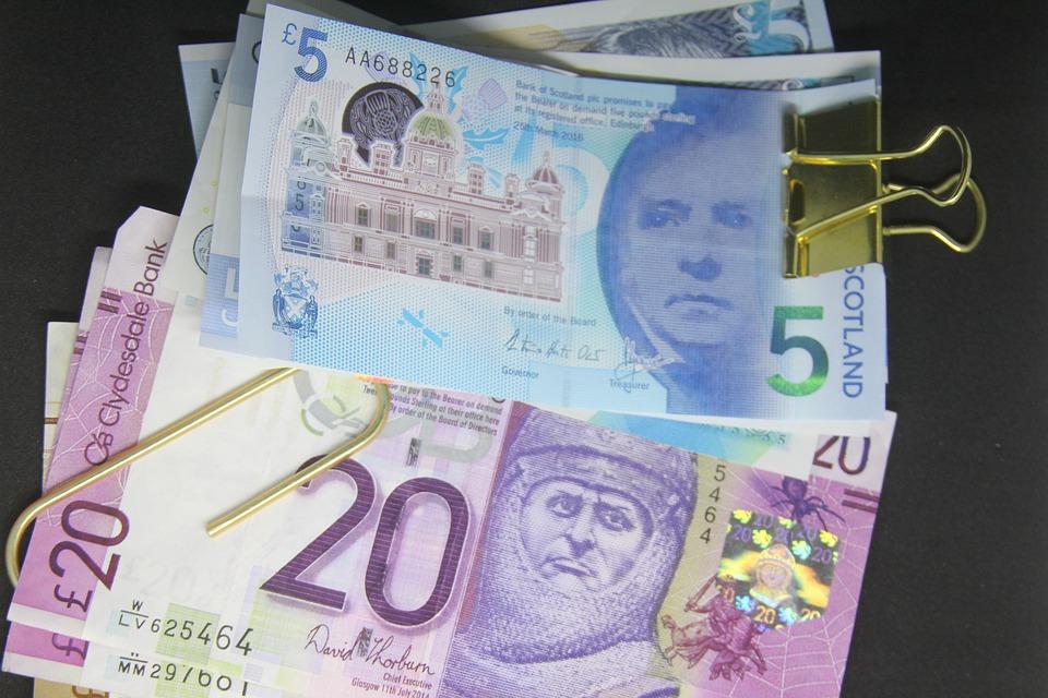 З 5 листопада фізособи зможуть купувати валюту та банківські метали без обмежень за сумою