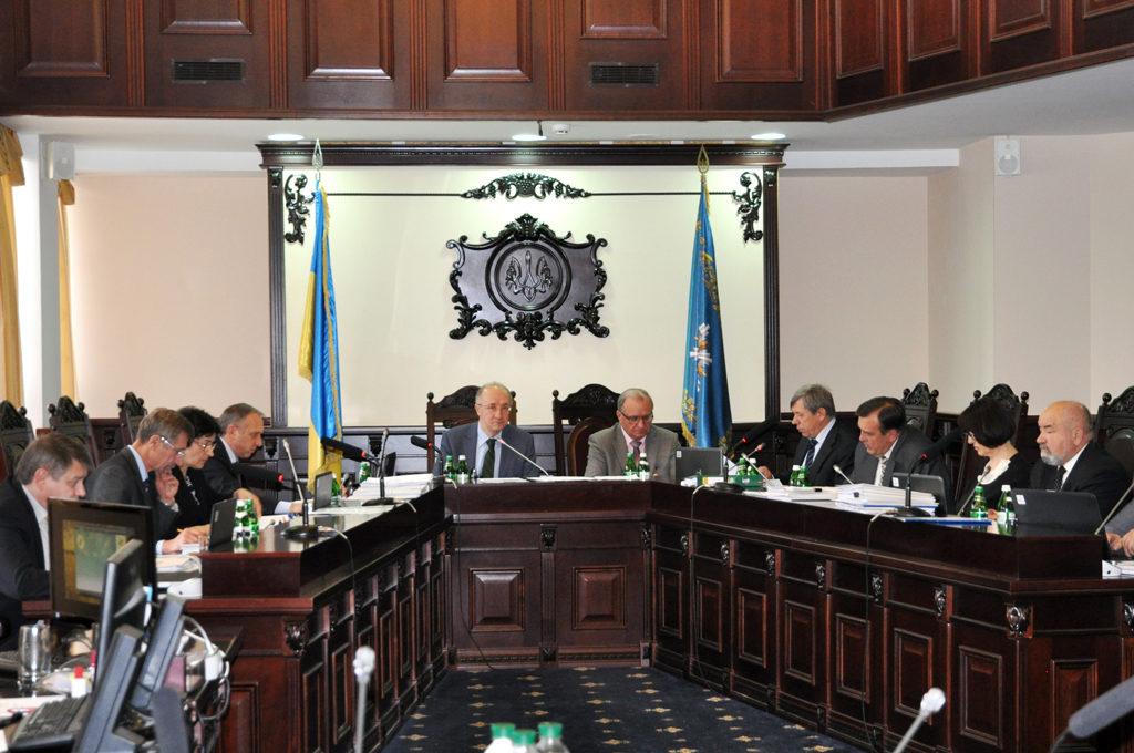Професія судді стає жіночою в Україні